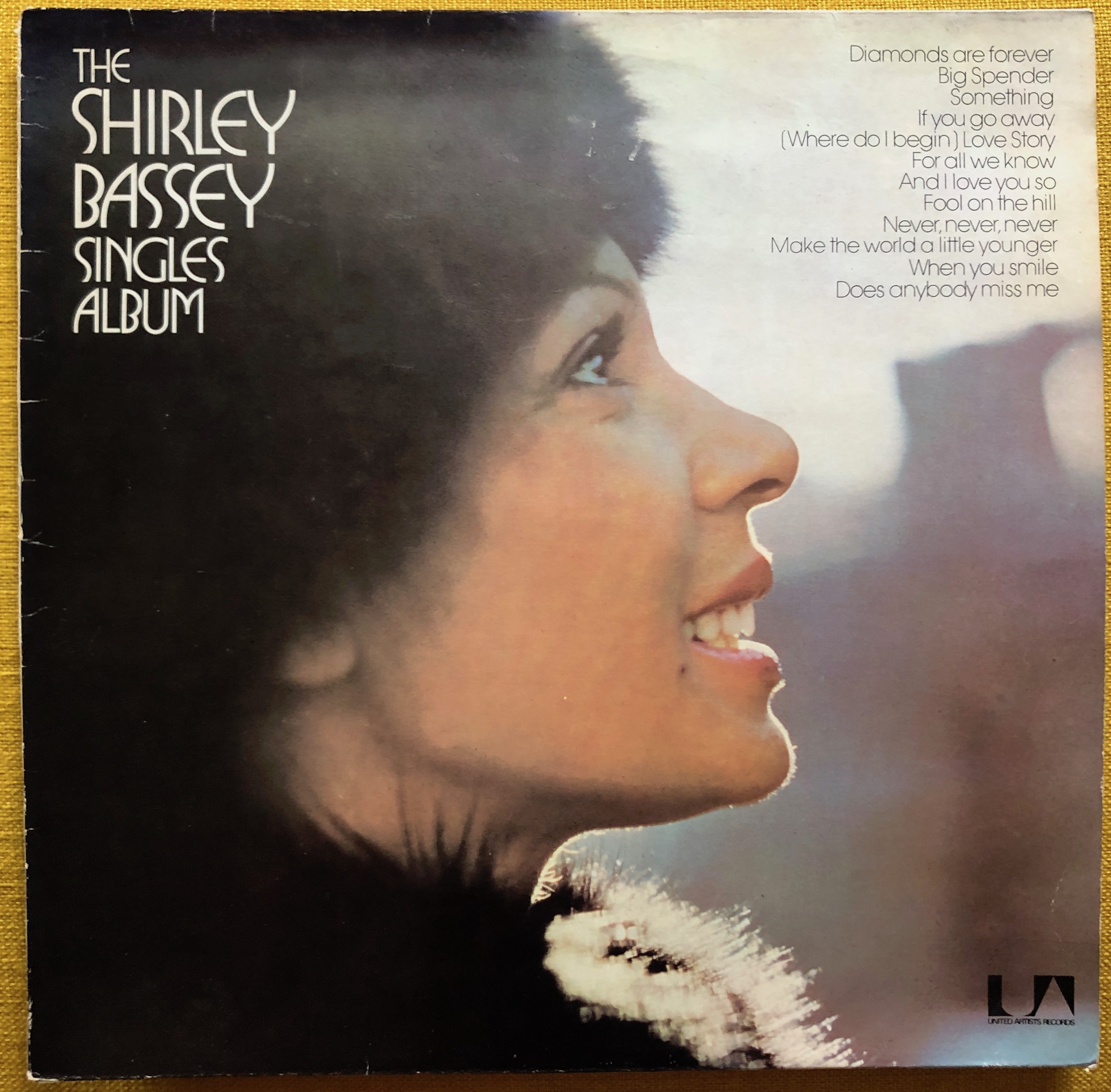 Shirley Bassey ‎– The Shirley Bassey Singles Album